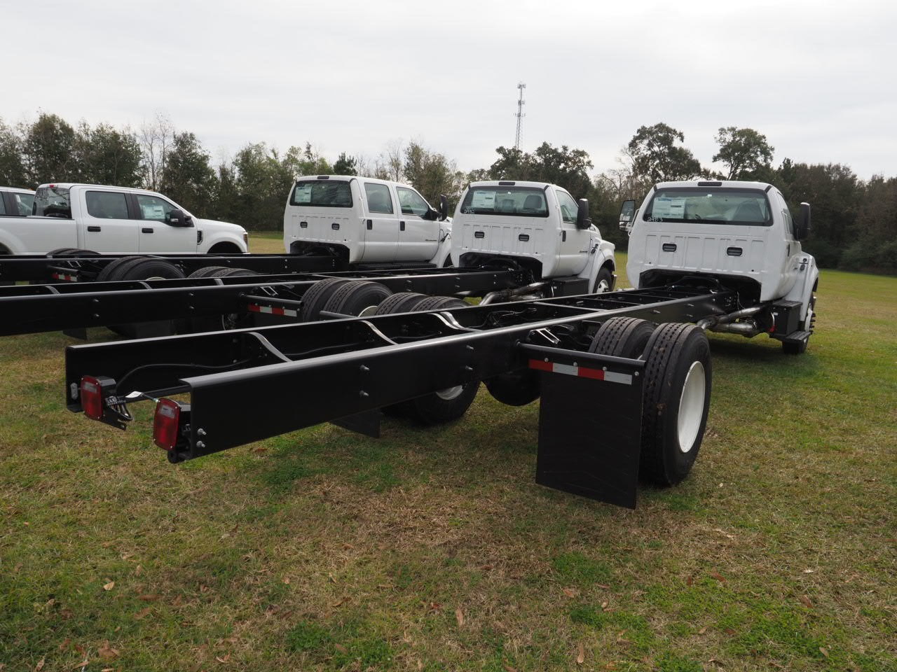 2019 F-650 Regular Cab DRW 4x2,  Cab Chassis #19T0283 - photo 5