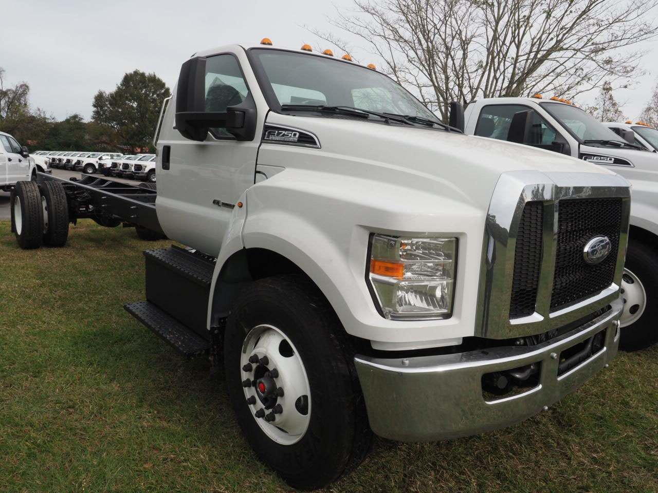 2019 F-750 Regular Cab DRW 4x2,  Cab Chassis #19T0285 - photo 4