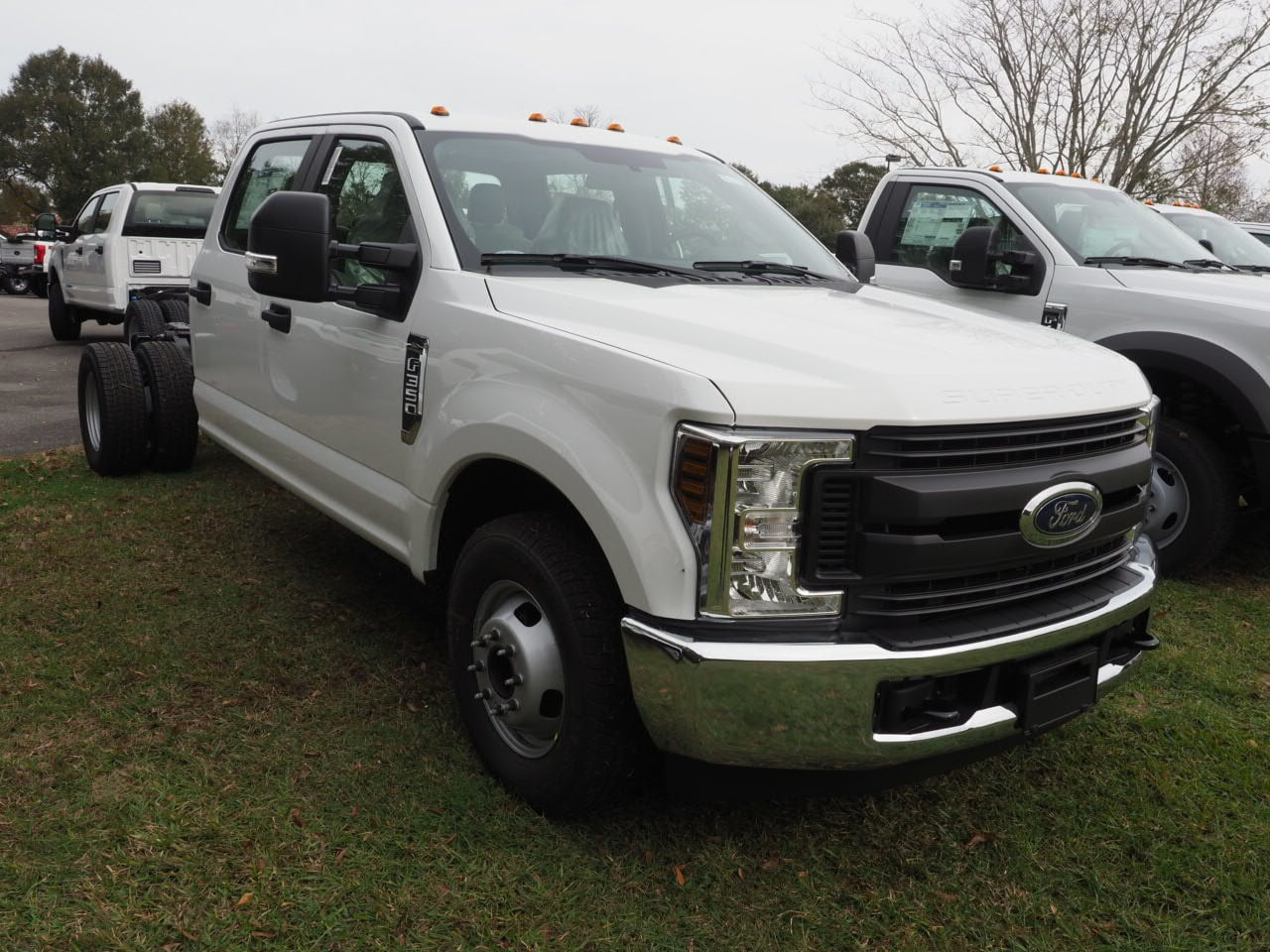 2019 F-450 Regular Cab DRW 4x2,  Cab Chassis #19T0295 - photo 3