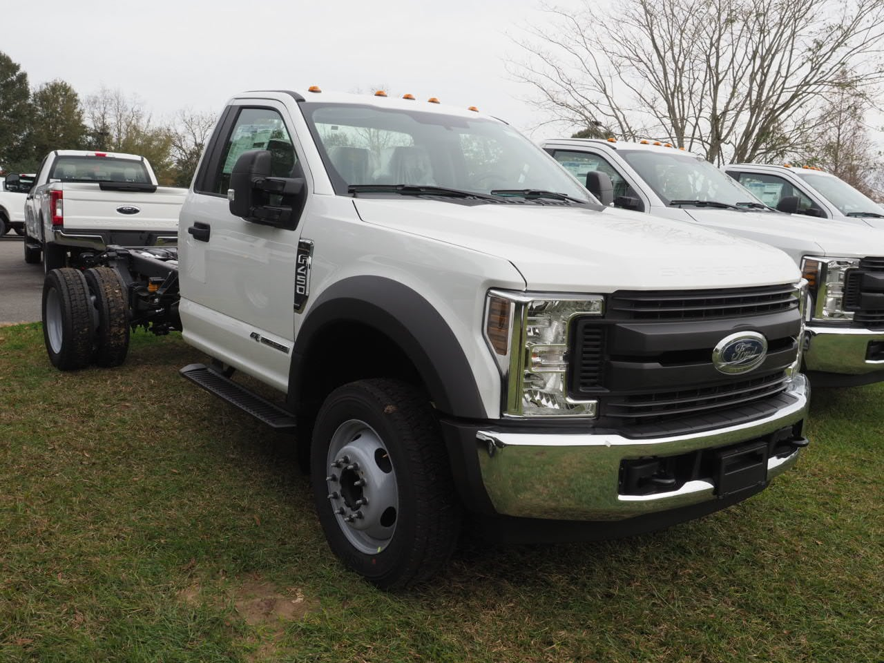 2019 F-450 Regular Cab DRW 4x2,  Cab Chassis #19T0296 - photo 3