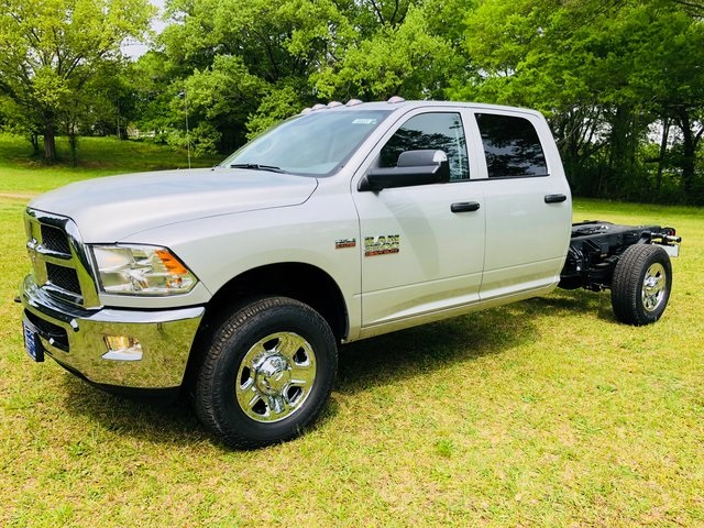 2018 Ram 3500 Crew Cab 4x2,  Cab Chassis #6005 - photo 29