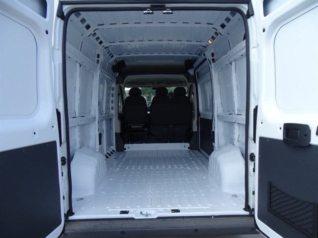 2018 ProMaster 2500 High Roof FWD,  Empty Cargo Van #JE154929 - photo 2