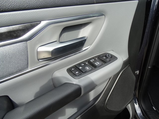 2019 Ram 1500 Crew Cab 4x2,  Pickup #KN684223 - photo 16