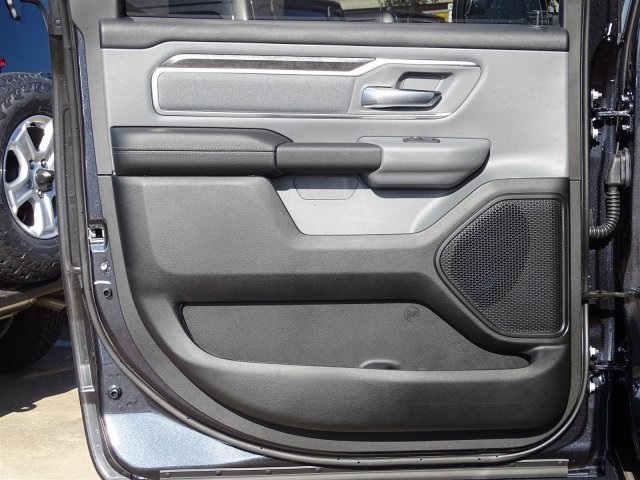 2019 Ram 1500 Crew Cab 4x2,  Pickup #KN706017 - photo 20
