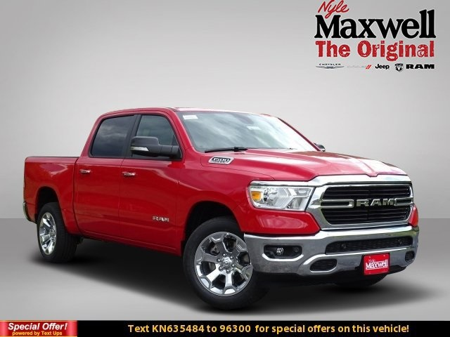 2019 Ram 1500 Crew Cab 4x2,  Pickup #KN635484 - photo 1