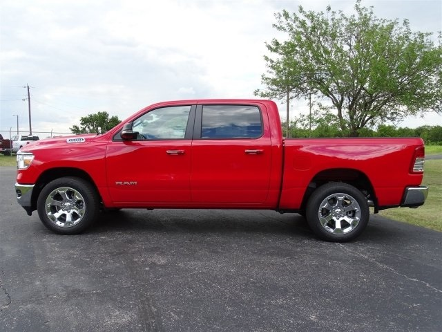 2019 Ram 1500 Crew Cab 4x2,  Pickup #KN635484 - photo 3