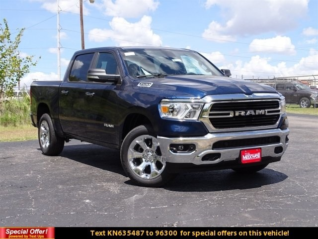 2019 Ram 1500 Crew Cab 4x2,  Pickup #KN635487 - photo 3