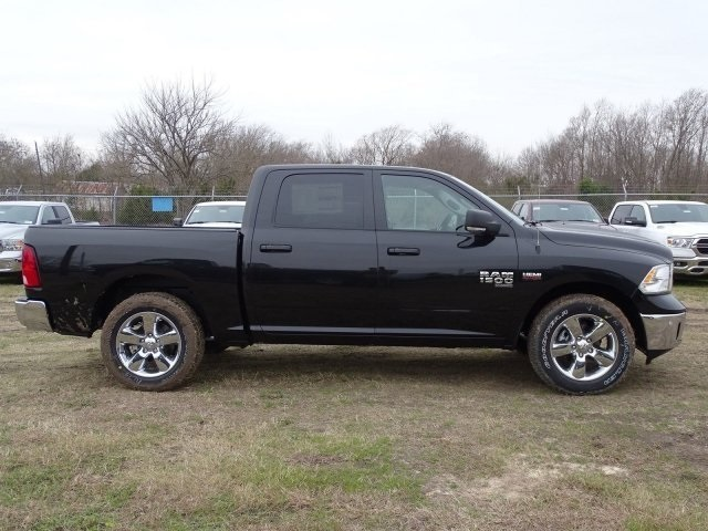 2019 Ram 1500 Crew Cab 4x2,  Pickup #KS564399 - photo 2