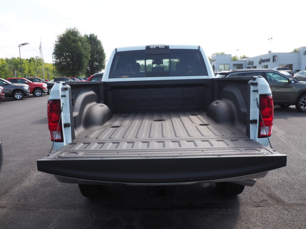 2018 Ram 3500 Crew Cab 4x4,  Pickup #JG299865 - photo 6