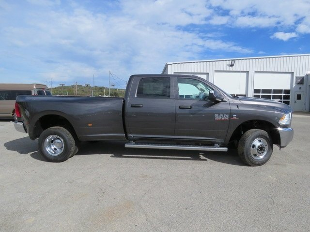 2018 Ram 3500 Crew Cab DRW 4x4,  Pickup #G305479 - photo 3