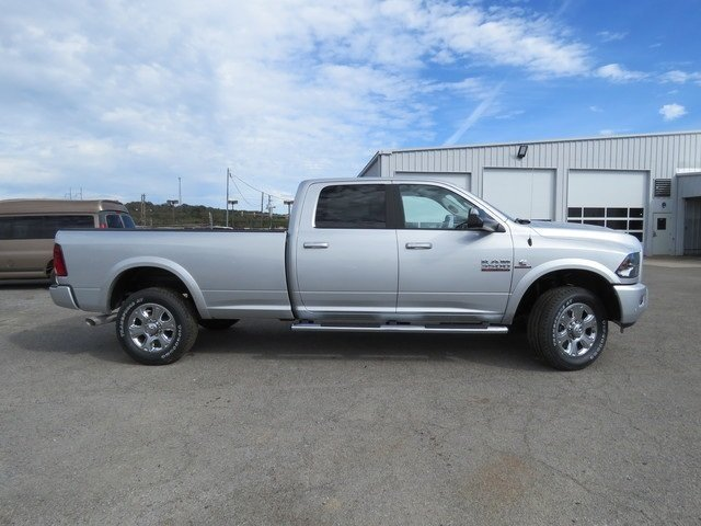 2018 Ram 3500 Crew Cab 4x4,  Pickup #G342993 - photo 4