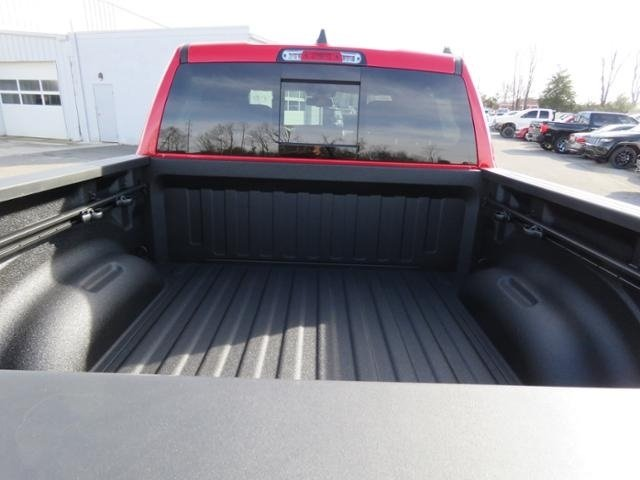 2019 Ram 1500 Crew Cab 4x4,  Pickup #N671548 - photo 7