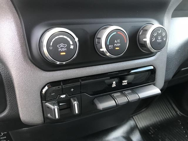 2019 Ram 1500 Crew Cab 4x2, Pickup #D190264 - photo 21