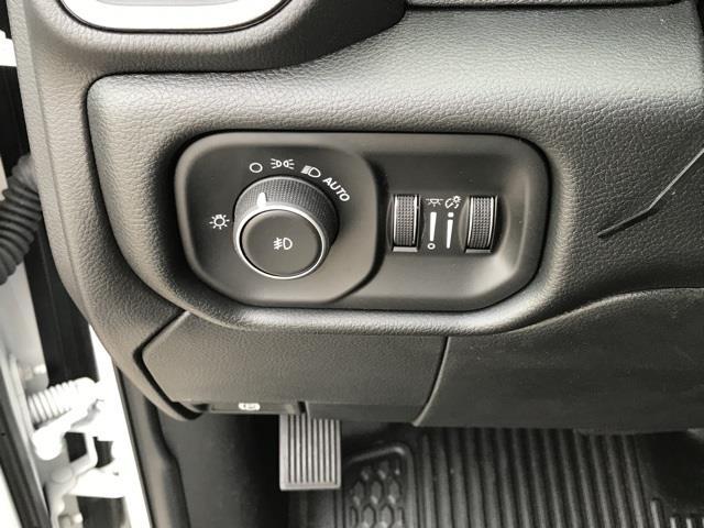 2019 Ram 4500 Regular Cab DRW 4x2, Platform Body #D190443 - photo 34