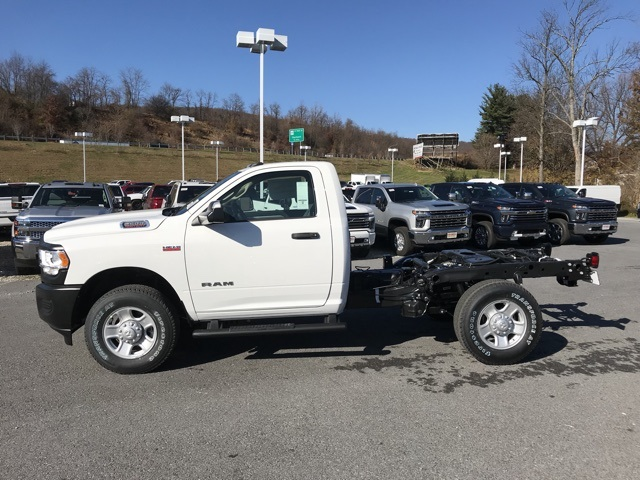 2019 Ram 2500 Regular Cab 4x4, Cab Chassis #D190573 - photo 4