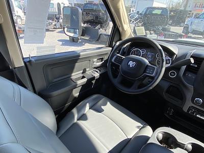 2019 Ram 4500 Crew Cab DRW 4x4, Cab Chassis #D190586 - photo 28