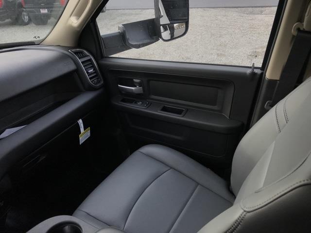 2019 Ram 4500 Crew Cab DRW 4x4, Cab Chassis #D190628 - photo 28