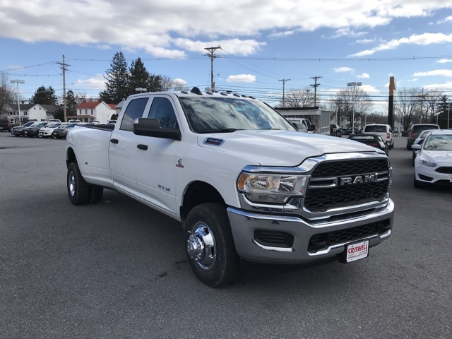 2019 Ram 3500 Crew Cab DRW 4x4, Pickup #D190644 - photo 10