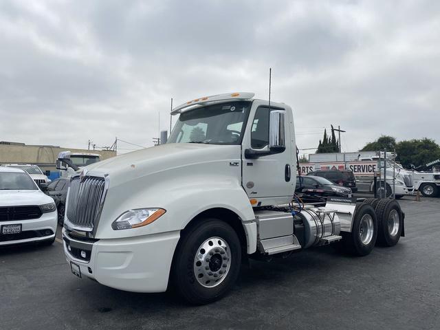 2020 International LT 6x4, Tractor #N808917 - photo 1