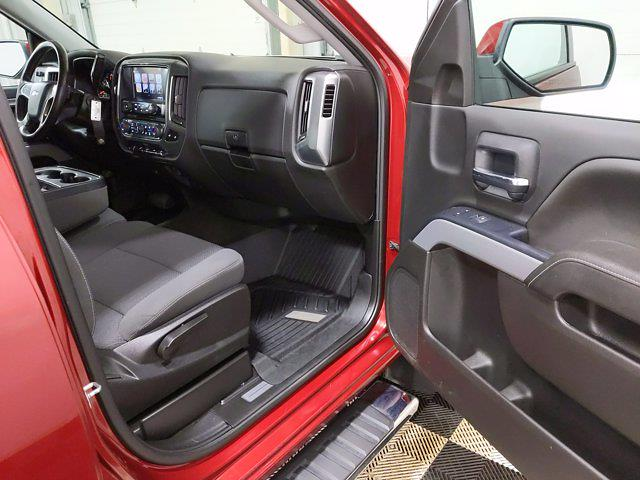 2018 Chevrolet Silverado 1500 Double Cab 4x4, Pickup #CP3801 - photo 15