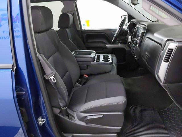 2015 Chevrolet Silverado 1500 Crew Cab 4x4, Pickup #CP3810 - photo 16