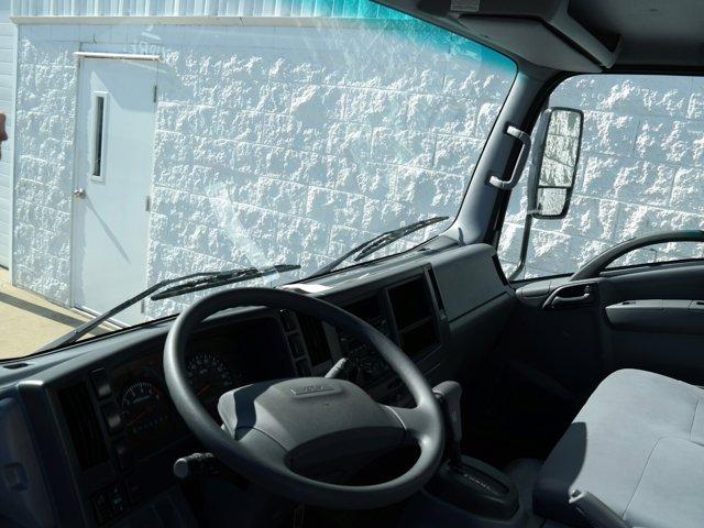 2018 Chevrolet LCF 4500 Regular Cab RWD, Supreme Signature Van Dry Freight #JS810015 - photo 17