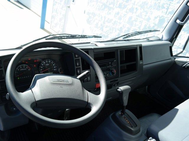 2018 Chevrolet LCF 4500 Regular Cab RWD, Supreme Signature Van Dry Freight #JS810015 - photo 18