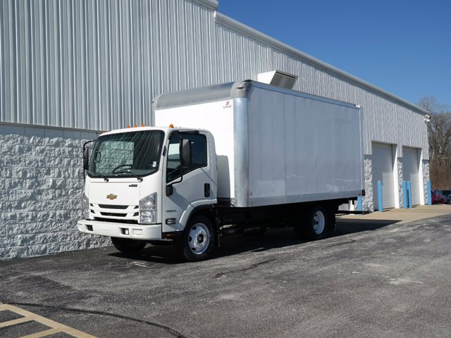 2018 LCF 4500 Regular Cab 4x2, Supreme Signature Van Dry Freight #JS810015 - photo 3