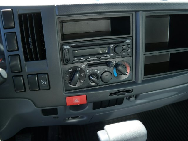 2018 LCF 4500 Regular Cab 4x2, Supreme Signature Van Dry Freight #JS810015 - photo 21