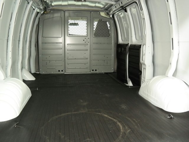 2019 Express 2500 4x2,  Empty Cargo Van #K1215734 - photo 1