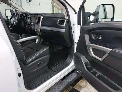2019 Nissan Titan XD Crew Cab 4x4, Pickup #LF326484A - photo 16