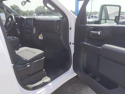 2021 Chevrolet Silverado 2500 Double Cab 4x4, Cab Chassis #MF286101 - photo 16