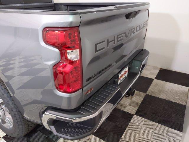 2021 Chevrolet Silverado 1500 Crew Cab 4x4, Pickup #MZ162567 - photo 4