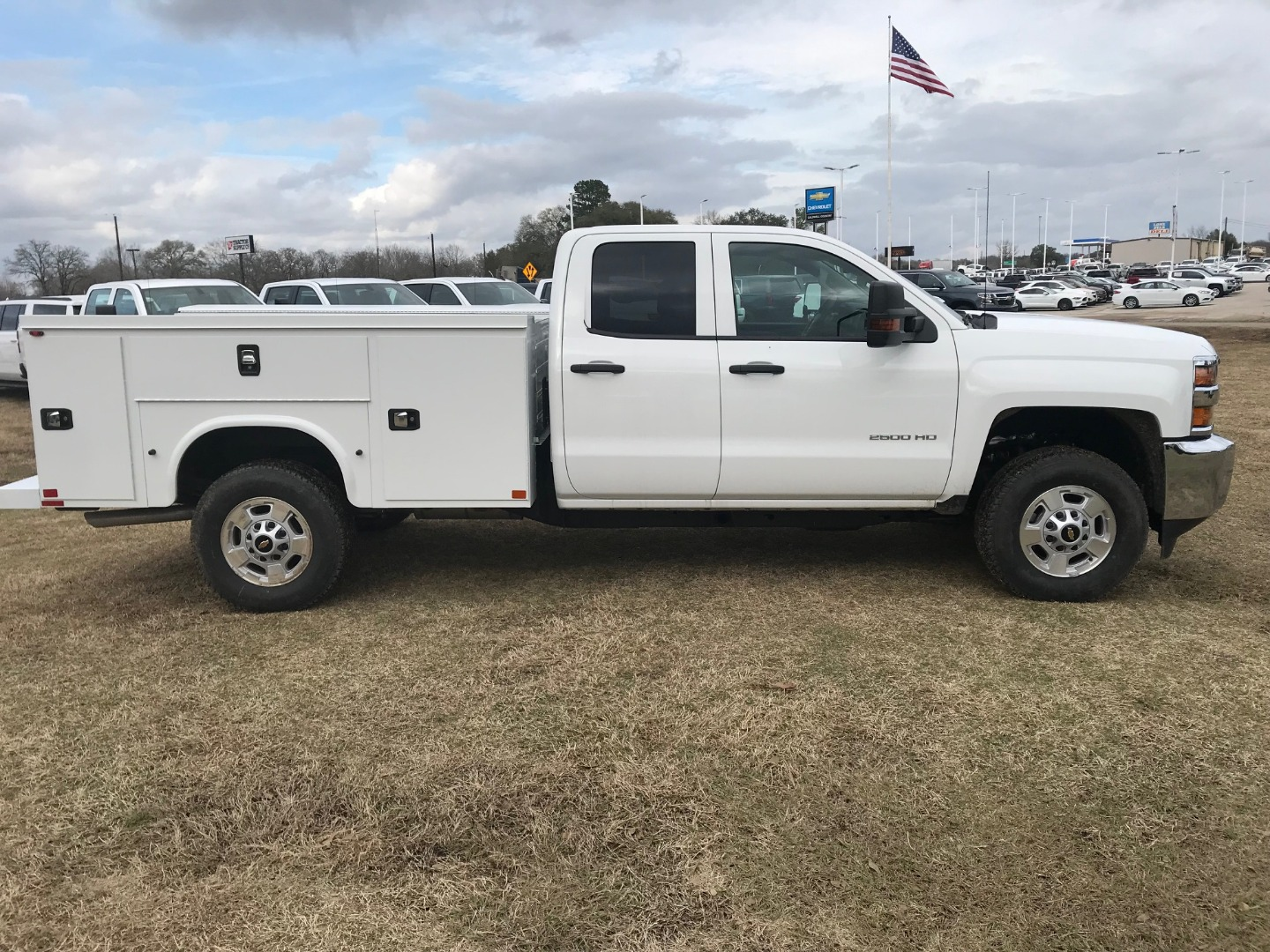 2019 Silverado 2500 Double Cab 4x4,  Knapheide Service Body #130634F - photo 10