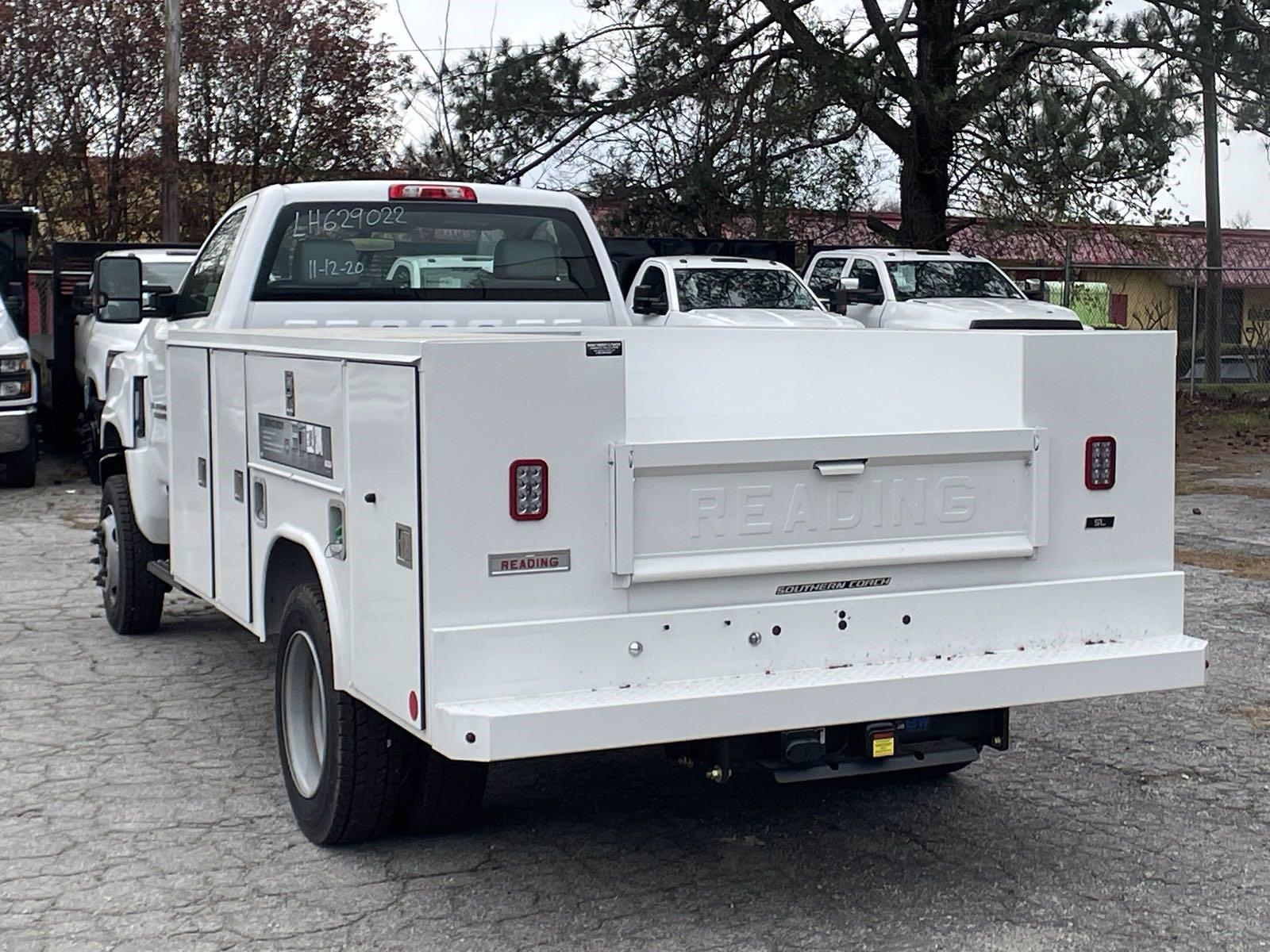 2020 Silverado 5500 Regular Cab DRW 4x4,  Reading Service Body #MD0041 - photo 4