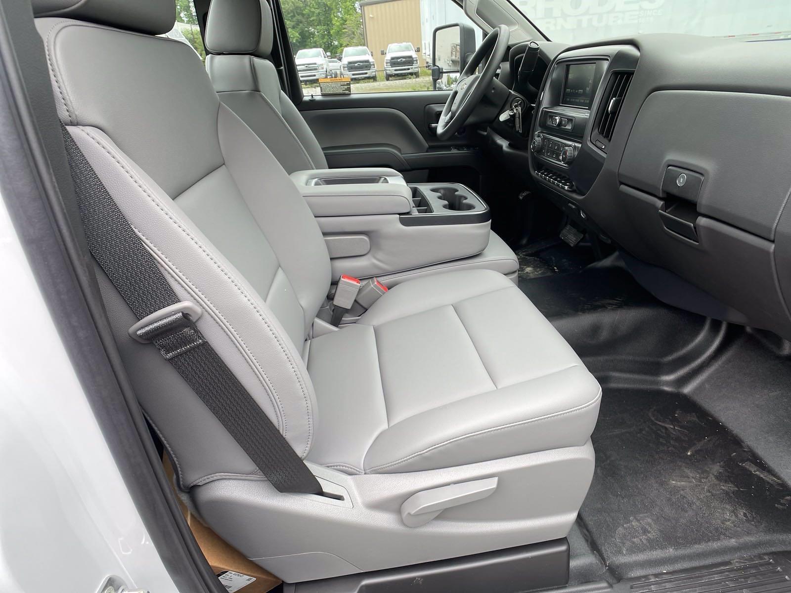 2021 Silverado 5500 Regular Cab DRW 4x2,  Cab Chassis #MD1009 - photo 5