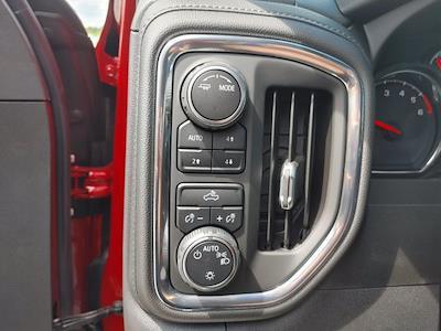 2021 Chevrolet Silverado 1500 Crew Cab 4x4, Pickup #211440 - photo 18