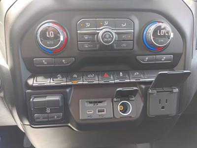 2021 Chevrolet Silverado 1500 Crew Cab 4x4, Pickup #211440 - photo 31