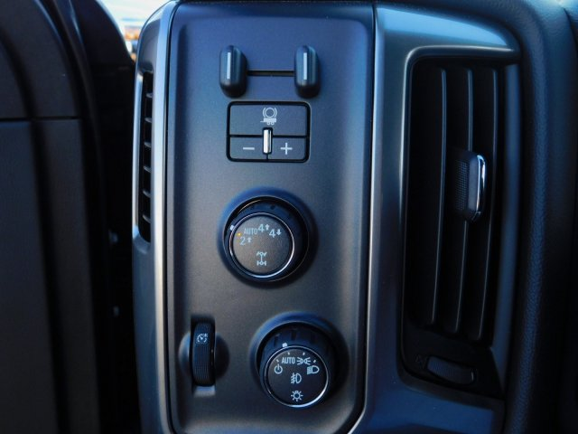 2018 Silverado 1500 Crew Cab 4x4,  Pickup #181335 - photo 16