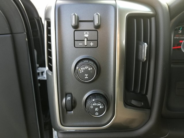 2018 Silverado 1500 Crew Cab 4x4,  Pickup #181355 - photo 16