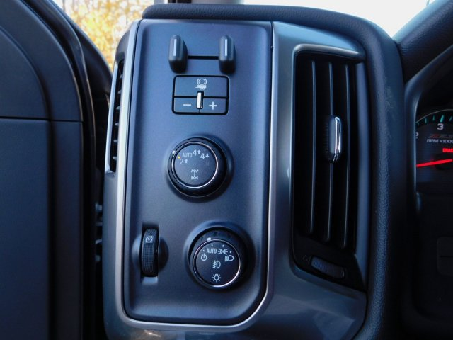 2018 Silverado 1500 Crew Cab 4x4,  Pickup #181378 - photo 16