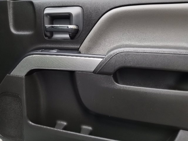 2018 Silverado 1500 Crew Cab 4x4,  Pickup #181379 - photo 30
