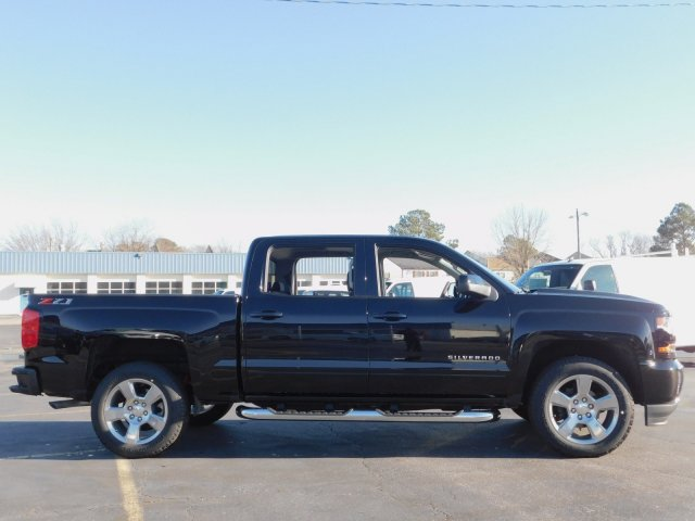2018 Silverado 1500 Crew Cab 4x4,  Pickup #181384 - photo 3