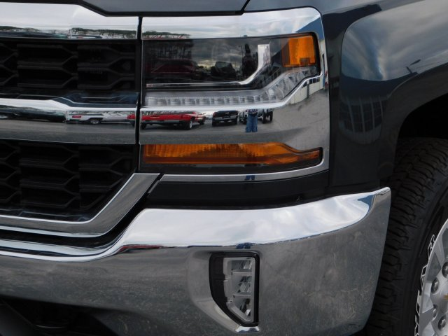 2018 Silverado 1500 Crew Cab 4x4,  Pickup #181429 - photo 9