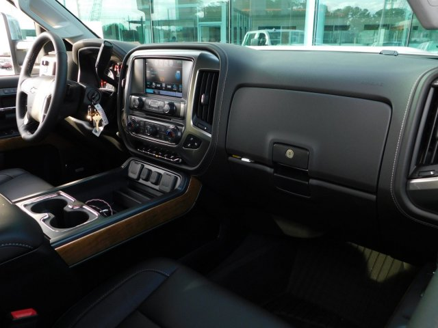 2019 Silverado 2500 Crew Cab 4x4,  Pickup #190287 - photo 50