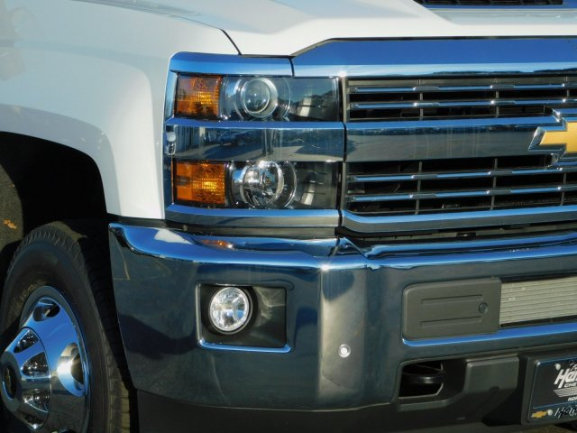 2019 Silverado 3500 Crew Cab 4x4,  Pickup #190488 - photo 9