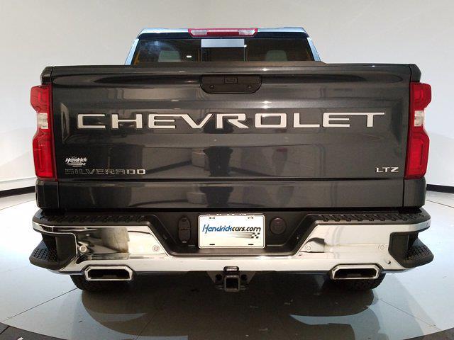 2020 Chevrolet Silverado 1500 Crew Cab 4x4, Pickup #M01036A - photo 3