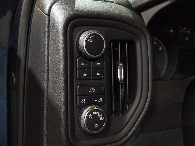 2020 Chevrolet Silverado 1500 Crew Cab 4x4, Pickup #DM01063A - photo 17