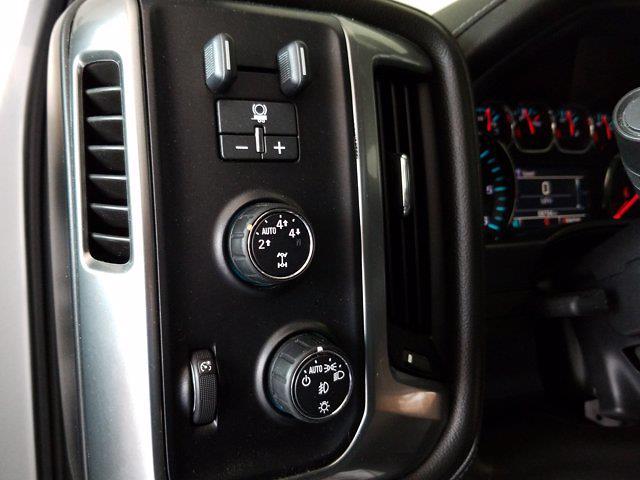 2015 Chevrolet Silverado 1500 Crew Cab 4x4, Pickup #M00846A - photo 17