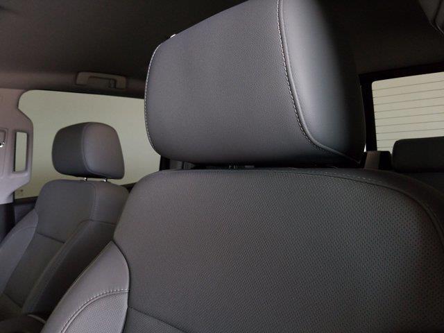 2015 Chevrolet Silverado 1500 Crew Cab 4x4, Pickup #M00846A - photo 19